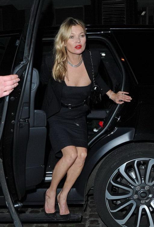 Кейт Мосс случайно просыпала муку в машине