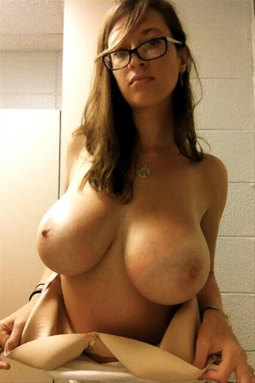 Самые большие ореолы сосков у женщин 10 фотография