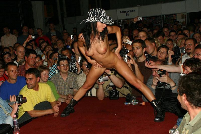 Самые скандальные эротические шоу сальск ночные клубы
