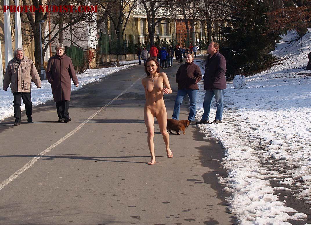 Смотреть порно на улице зимой 26 фотография