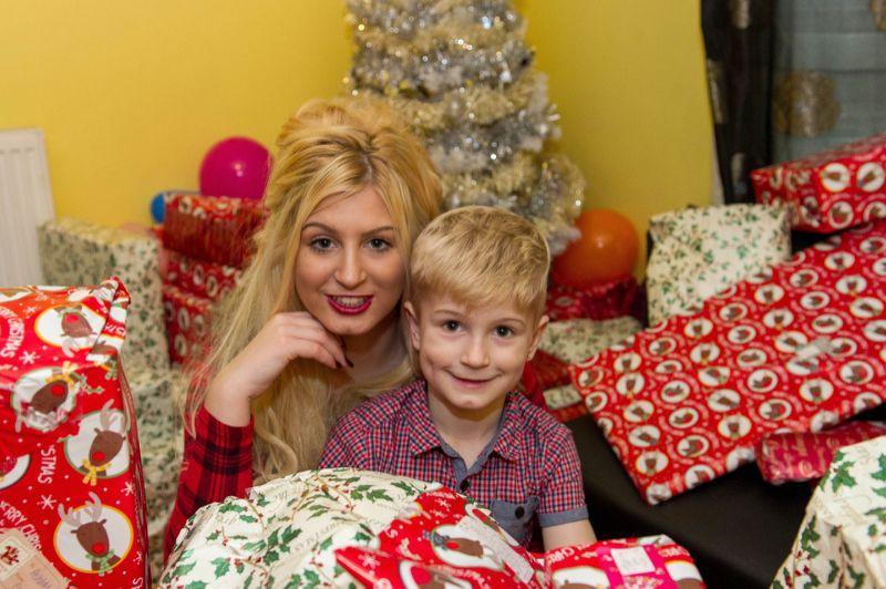 Молодая мать снялась в порно, чтобы подарить ребенку подарок на Рождество