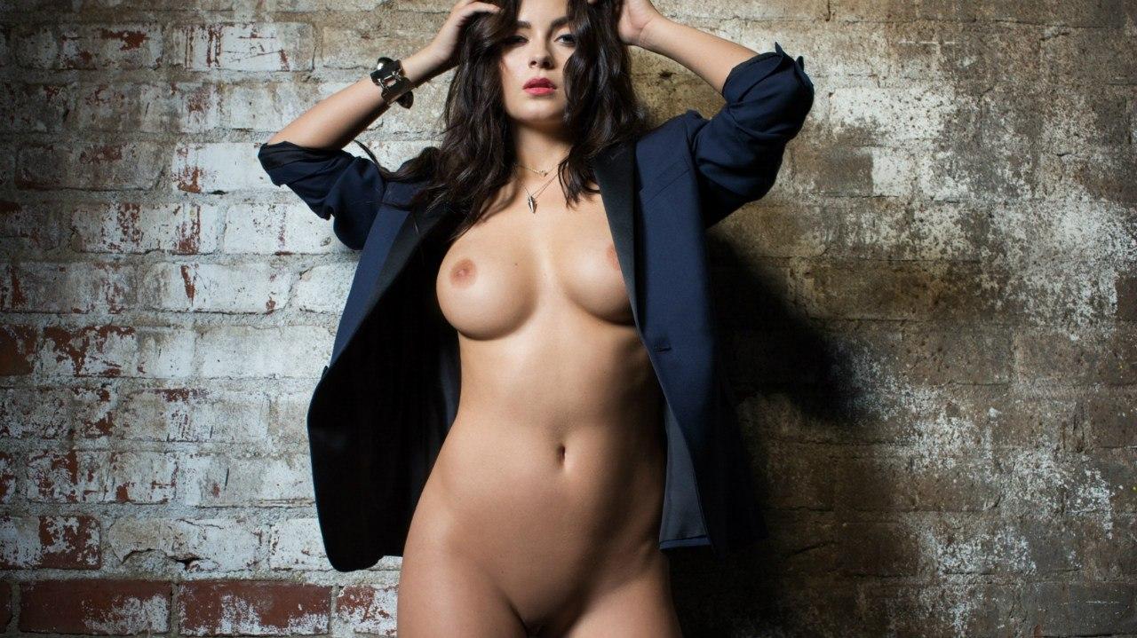 Эротические фотосеты знаменитых женщин в хд качестве