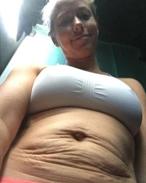 Бывшая модель Playboy Кендра Уилкинсон опубликовала свои фото, сделанные после второй беременности