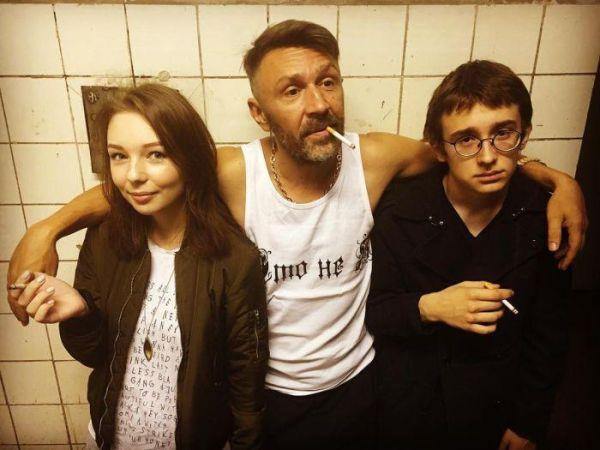Сергей Шнуров опубликовал фото со своими детьми