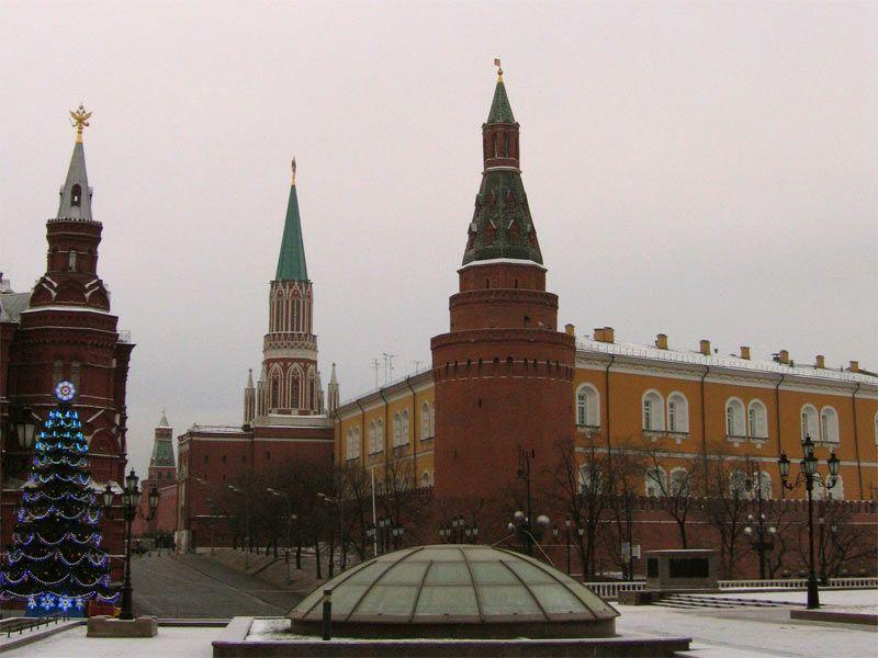 Когда устал от всех этих формальных кремлёвских банкетов и решил просто потусить в городе