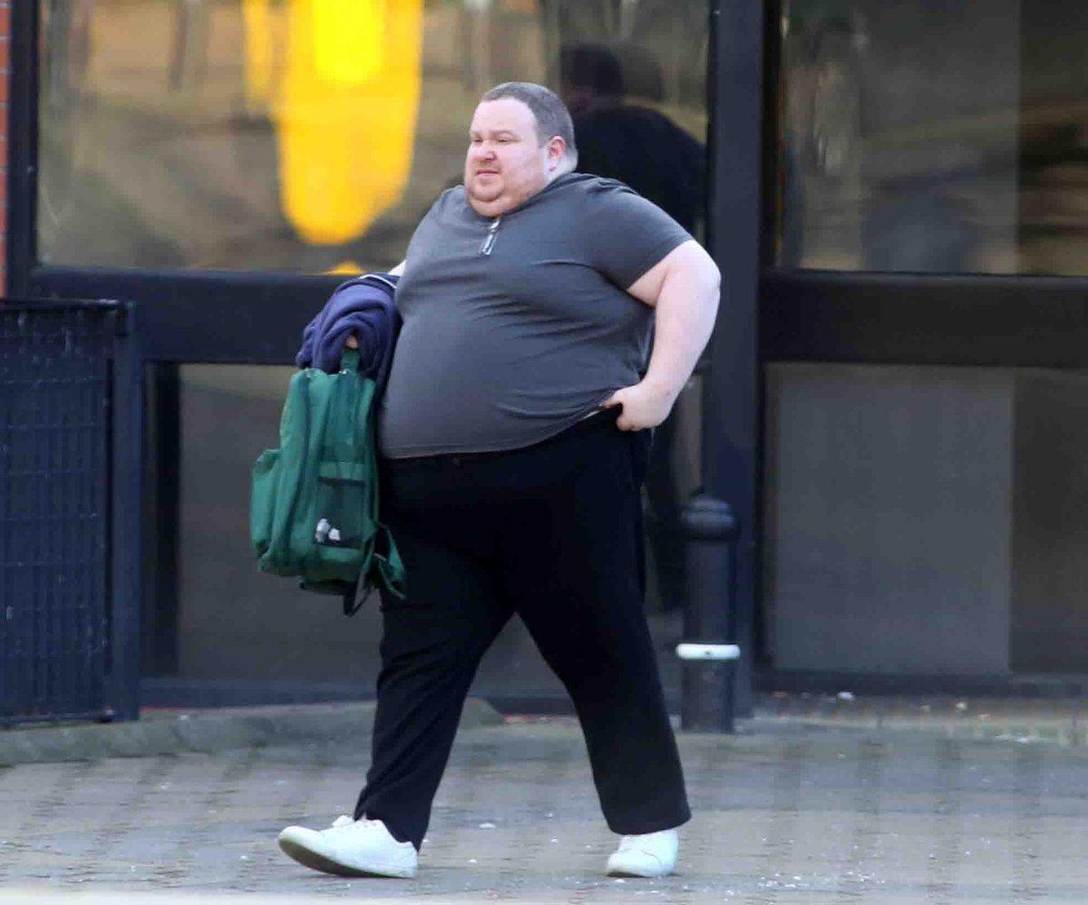 Британский педобир с избыточным весом