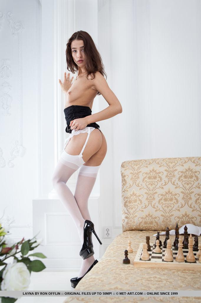Может партейку в шахматы?