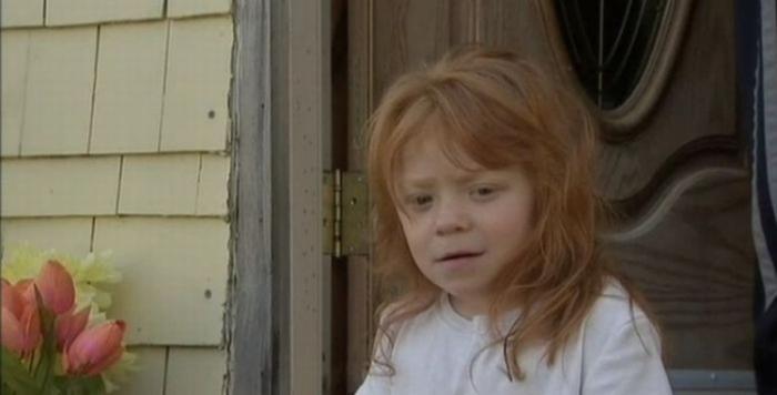 Помешанная на загаре мамаша привела 5-летнюю дочку в солярий