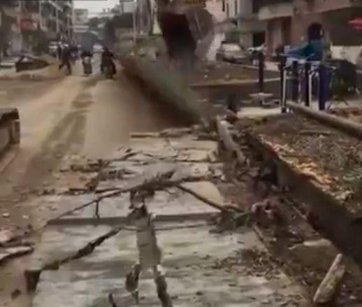 Во время демонтажа стены что-то пошло не так