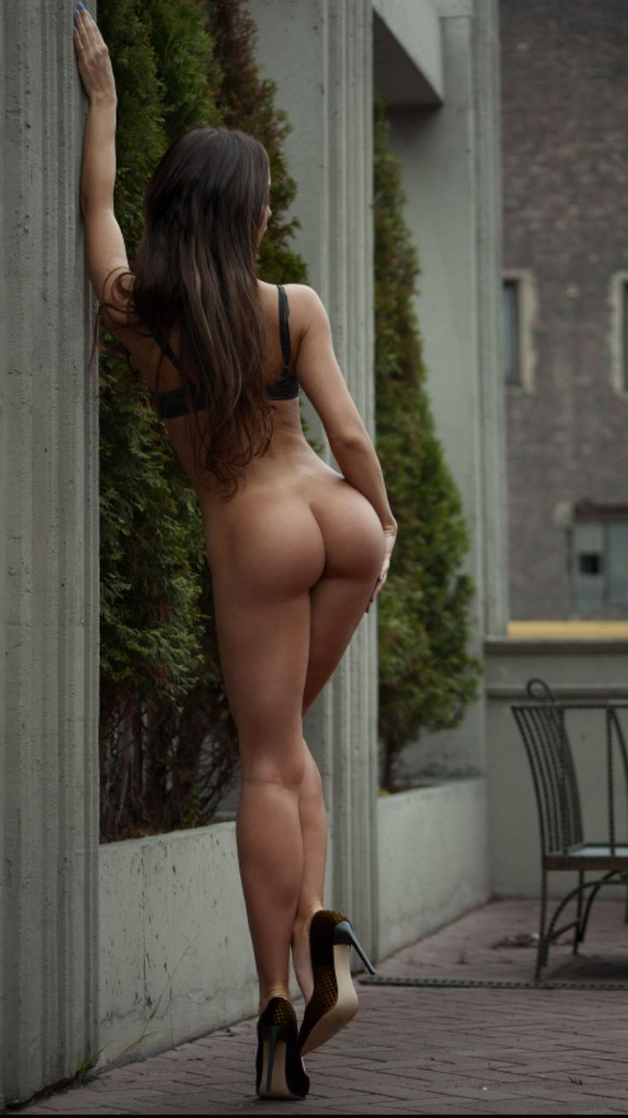 best-bootys-ever-naked