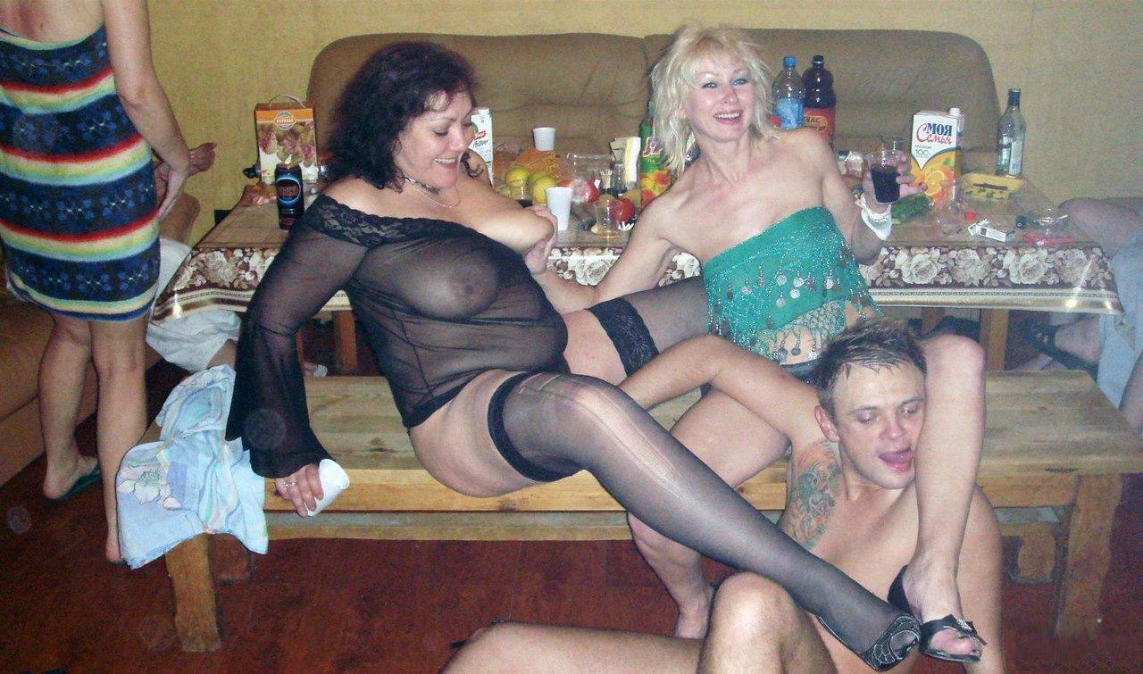 порно фотки одноклассники друзей из социальных сетей № 64229 без смс