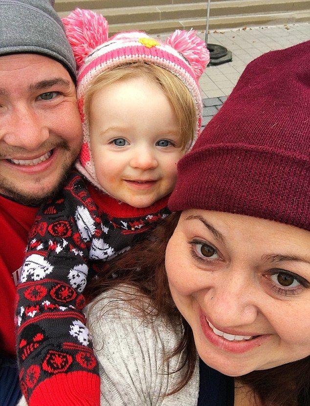 Трансгендерный мужик родил ребенка вместо жены