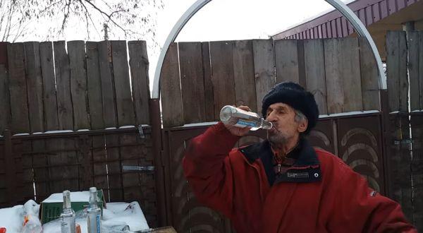 Три пузыря водки одним махом