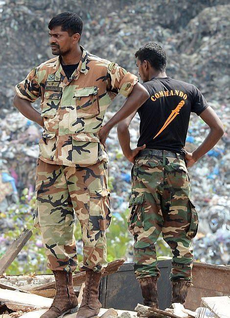 Цейлонская куча мусора похоронила 16 человек
