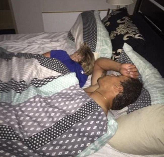 мама спит голая сын не растерялся онлайн