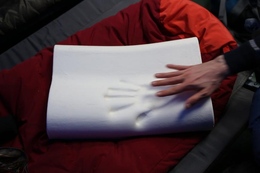 Подушка с памятью формы прокатилась на Северный полюс