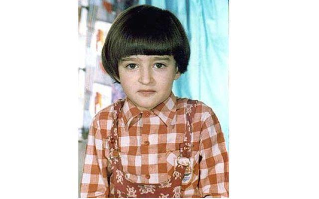 Чья эта детская фотография?