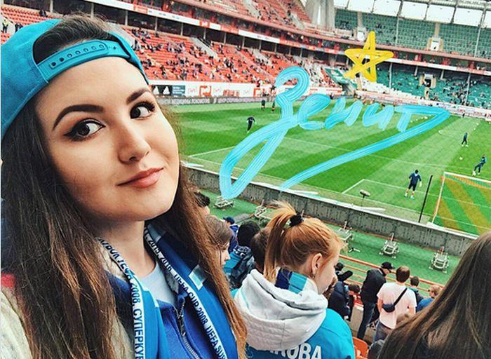 Симпатичные болельщицы российских футбольных клубов