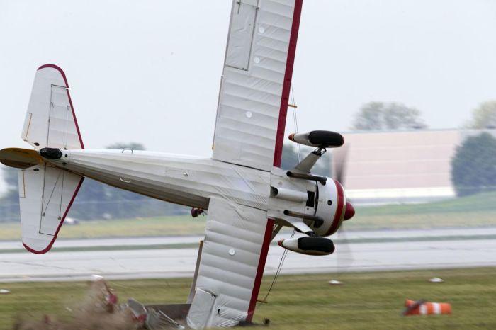 Самолет разбился на авиашоу