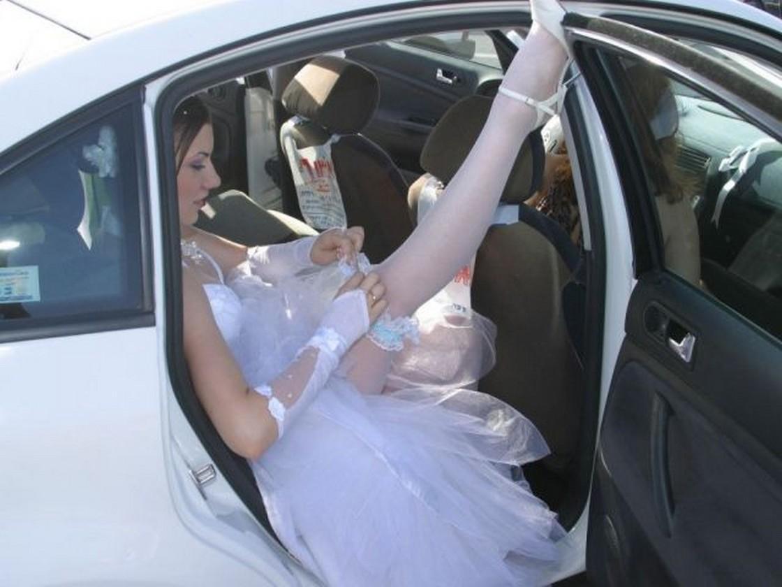 Секс в машине перед свадьбой онлайн