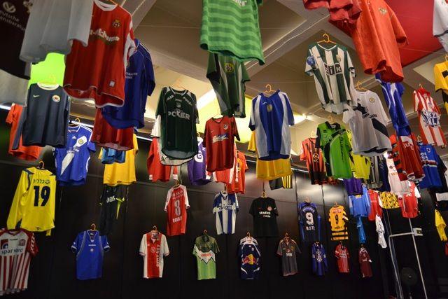 Чем отличаются арабские фанатские футболки от всех остальных