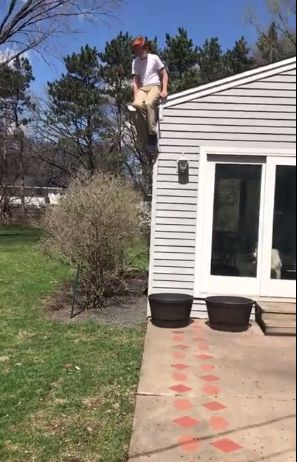 Как просто и безопасно спуститься с крыши