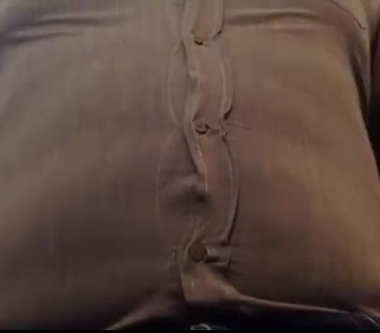 Пивной живот против рубашки