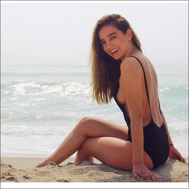 Подборка теплых, летних, пляжных фотографий девушек