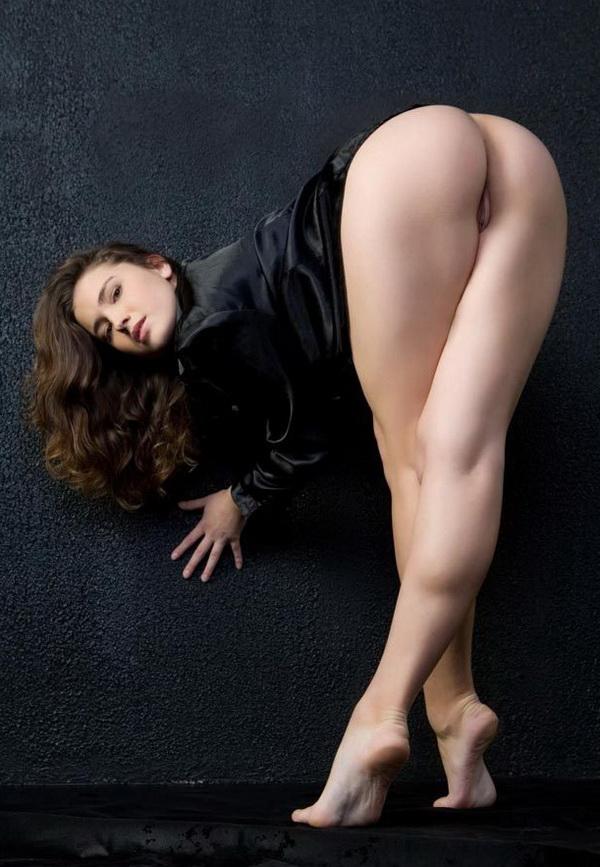 Голые ноги фото девушек