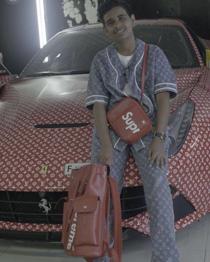 15-летний подросток из Дубая имеет Ferrari, украшенный логотипами Louis Vuitton и Supreme