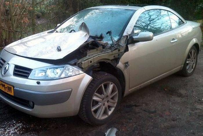 Фейерверк против Renault Megane CC