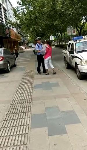 Бесцеремонная полиция в Китае