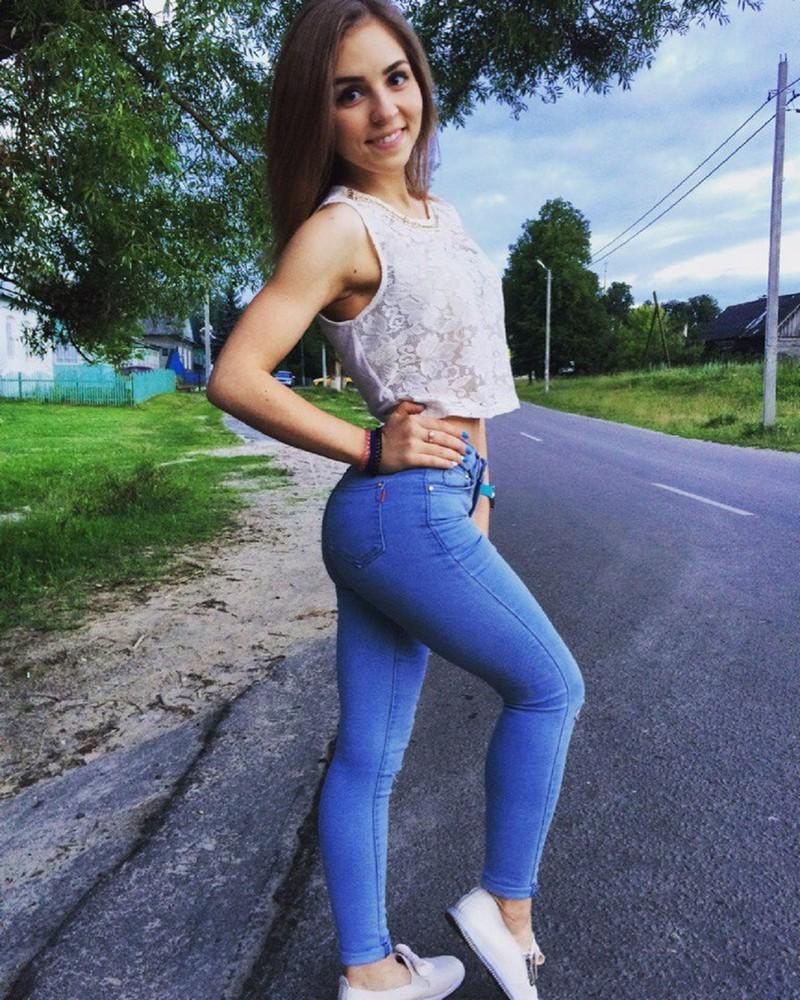 Красивые девушки из социальных сетей