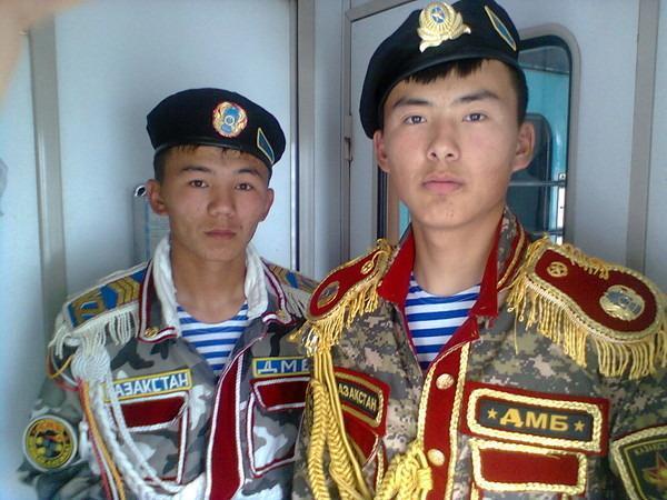 В швейных войках Казахстана объявлен ДМБ