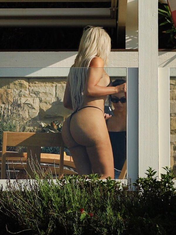 Ким в Малибу