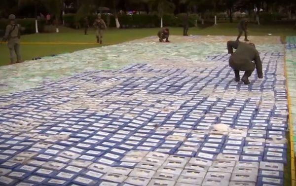 В Колумбии полиция конфисковала более 12 тонн кокаина на сумму 360 000 000 долларов США