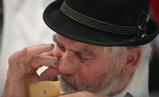 Чемпионат мира по употреблению нюхательного табака