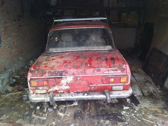 «Москвич-2140», простоявший 25 лет в сыром гараже