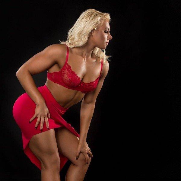 Спортивные девушки всегда держат себя в отличной форме