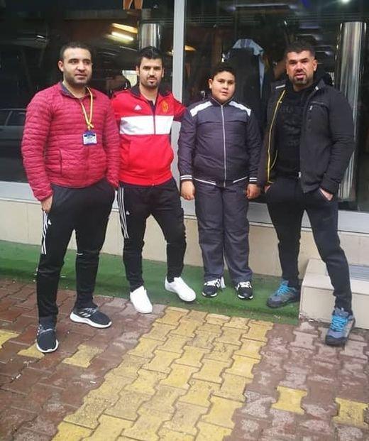 Сирийскому беженцу, смотревшему в окно спортзала, подарили пожизненный абонемент