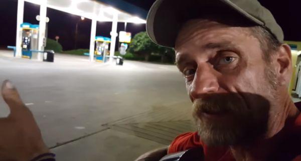 Бездомный парень рубит правду