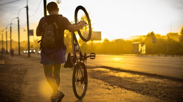 Спасение велосипеда от гопников