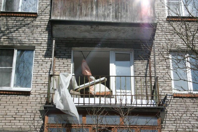 Бомбануло. Взрыв самогонного аппарата разрушил квартиру