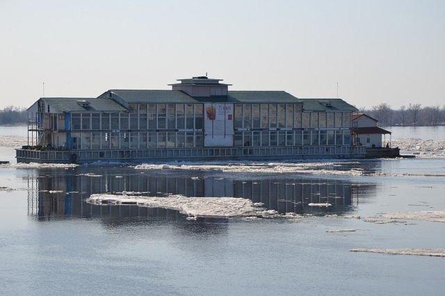 В Самаре вместо со льдом уплыло и популярное заведение