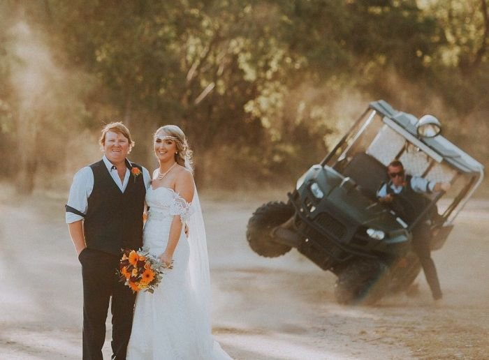 Неожиданность во время свадебной фотосессии
