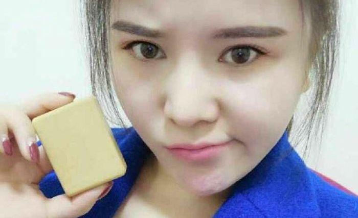 Оскорбленная девушка отправила бывшему парню кусок мыла, сделанный из собственного жира
