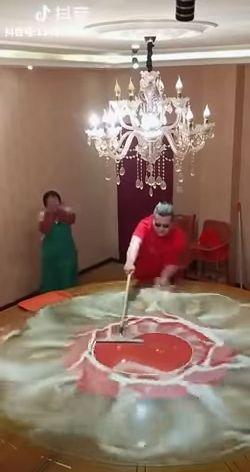 Уборка в номере после отъезда Марадоны