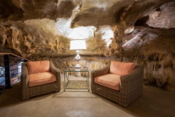 За дом в пещере просят почти 3 млн баксов