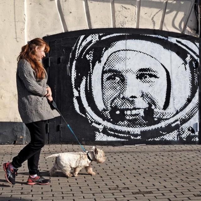 Необычные работы московского уличного художника Zoom