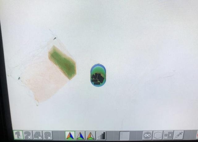 Во Львове таможенники нашли золотые слитки в банке с краской